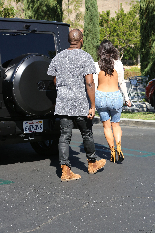 kim-kardashian-sale-del-cine-en-greenshines-07