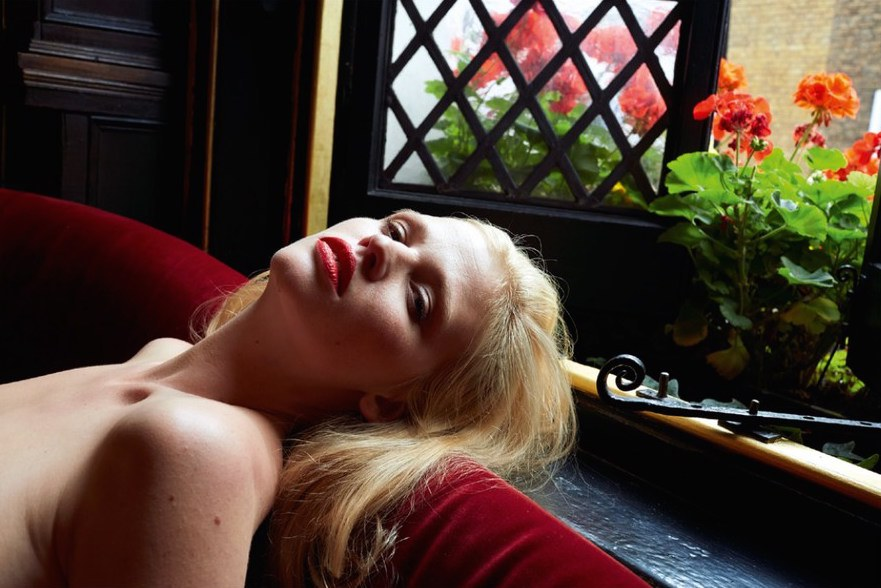 lara-stone-by-juergen-teller-for-system-magazine-fall-winter-2014-2015-5