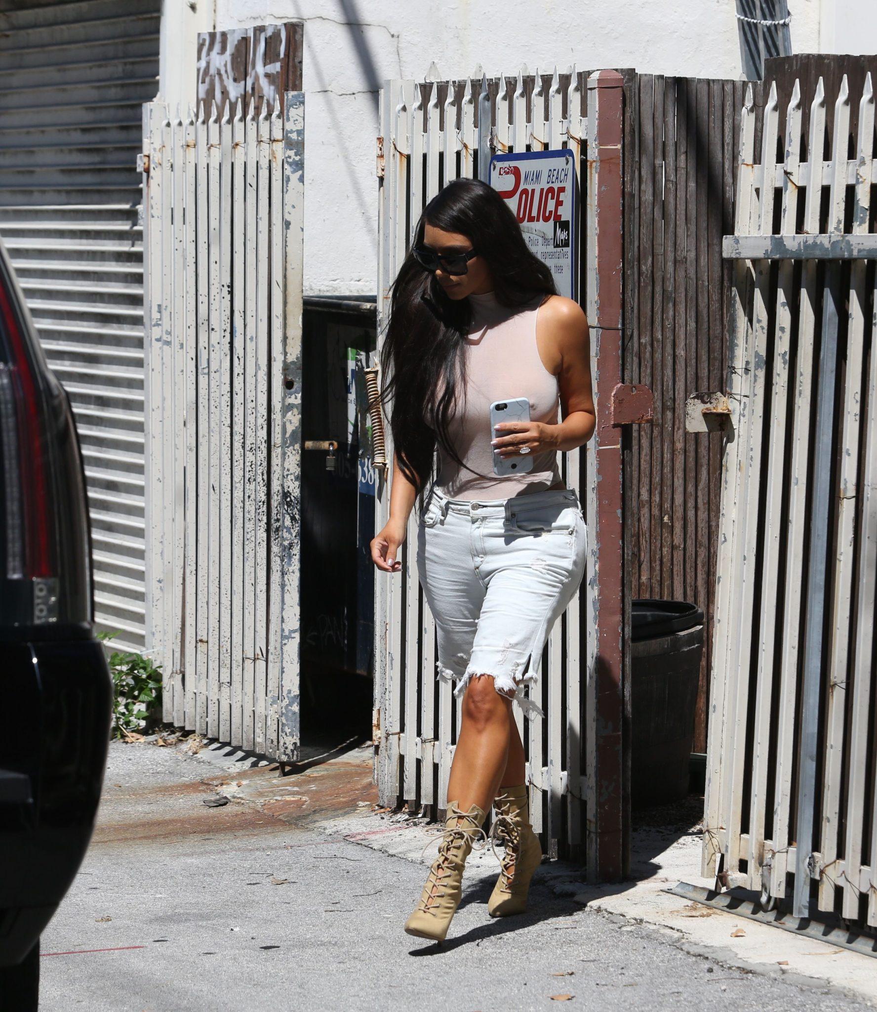 kim-kardashian-see-through-118