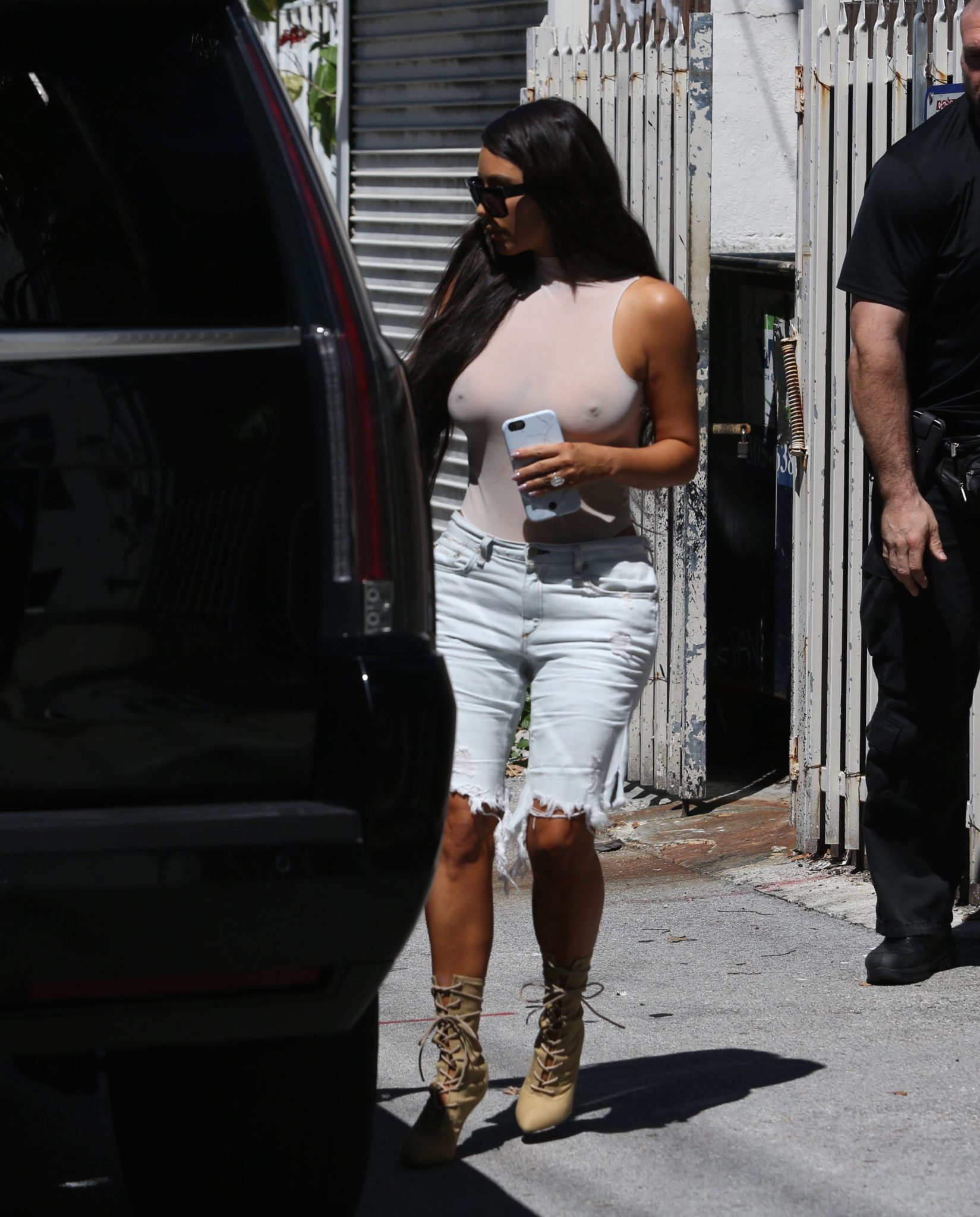 kim-kardashian-see-through-129