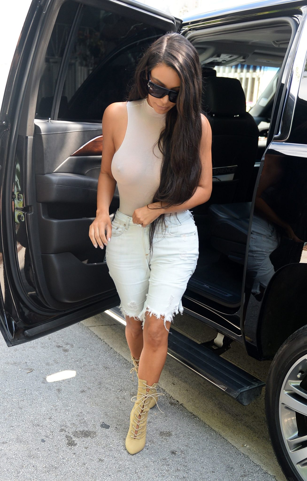 kim-kardashian-see-through-30